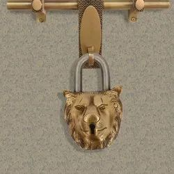 Handmade Old Vintage Style Antique Lion Shape Brass Security Lock with 2 Keys