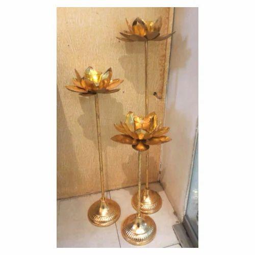 Kreative Arts Iron Pedestal Lotus Candle Holder Set Of 3 Pcs Rs