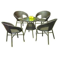 Universal Furniture Garden Table with 4 Chairs