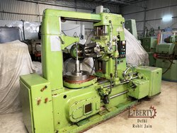 TOS FO6 Gear Hobbing Machine
