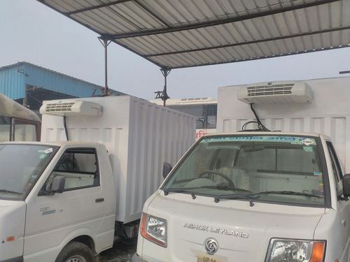 b10ee38fa4 Reefer Van - View Specifications   Details of Refrigerated Van by 3S ...