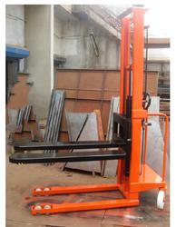 Shree Balaad Manual Material Stacker