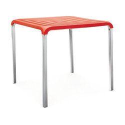 Red Square Nilkamal Novella 01 Table