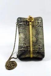 Vintage Beautiful Collectible Ladies Brass Chain Purse Ladies Fashion. G13-5