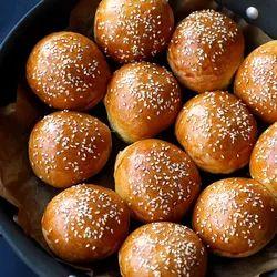 Alsafaa Fresh Burger Bun, Packaging Size: 75 G Per Piece