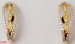 Simple Light Weight Tanishq Pattern Diamond Studded Earrings