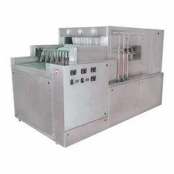 Pharmaceutical Linear Bottle Washing Machine