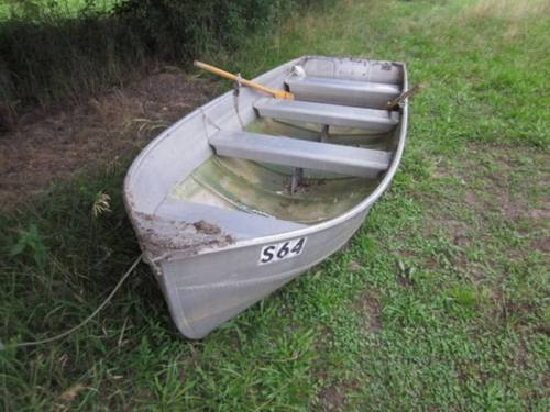 Aluminum Row Boats & Flat Bottom Boats Oars Included