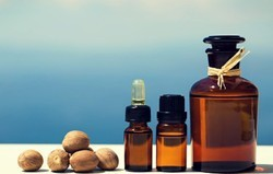 Nutmeg Seed Oils (Muristaca Fragrans)