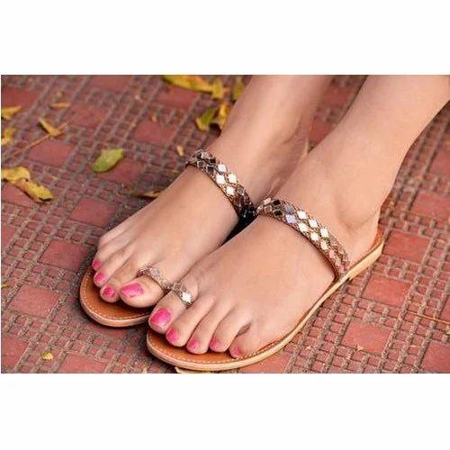49c888f89 Stylish Women Flats, Women Flat Sandals, महिलाओं के लिए ...