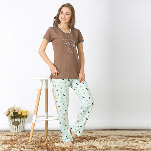Cotton Printed Ladies Pyjama Set 61b738abdd