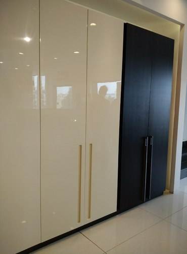 Lacquer Paint Wardrobe