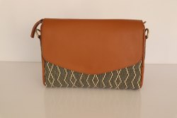 CS Brown Stylish Handbag With Leather Trim, For Daily Use, Gender: Women