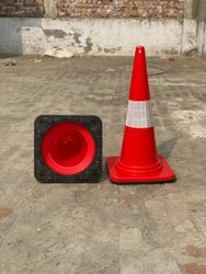 Red Plastic TRAFFIC CONE 3.2KG, For Road Safety, Model Name/Number: H2PC750-LB