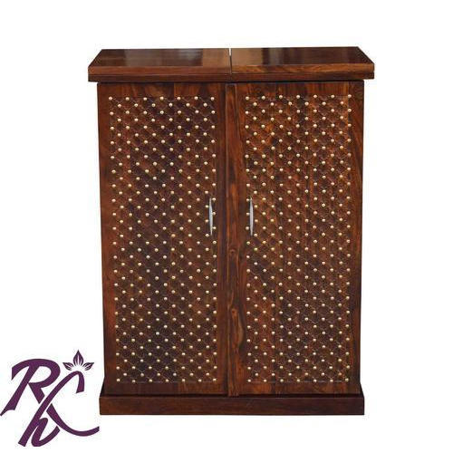 Classic Brass Bar Counter Cabinet at Rs 28000 /piece | Wooden Bar ...