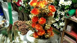 Polyester Available in Rose, Sunflower Artificial Flowers, Packaging Type: Box