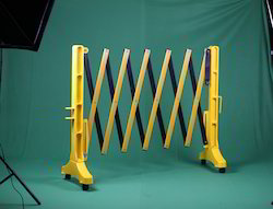 H2-EB-3 Plastic Expandable Road Barrier with Wheels