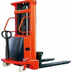 Semi Battery Operated Pallet Lifting Stacker