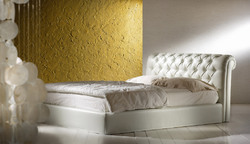 Hotel Calin Leather Bed