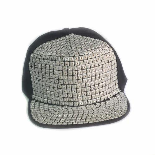 e55297f6493 White And Black Stylish Hip Hop Cap