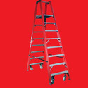 Self Supported Trestle Ladder With Foldable Platform