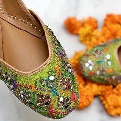 Green Handcrafted Punjabi Jutti