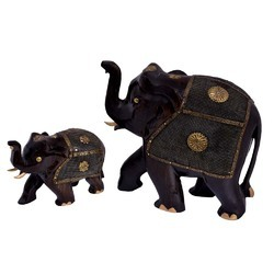 Wooden Elephant Set with Metal Net