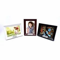 D 33 Plastic Photo Frame