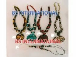 Resin Jewelry Necklace, Packaging Type: Polybag