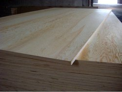 Pine Wood Brown Pinewood Plywood Board, Thickness: 15-20 Mm, for Furniture