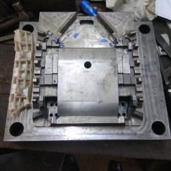 16x16 Inch Plastic Injection Automobile Mould, 50-60 Hrc