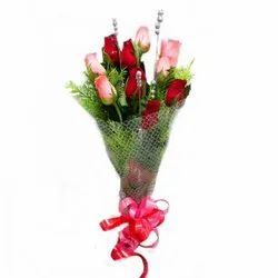 Delightful Red And Pink Bouquet