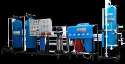 VODA Reverse Osmosis RO Plant & DM Plant, Water Storage Capacity: 2000 L, 10x10 Ft