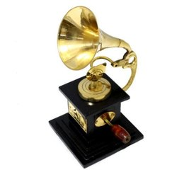 Wooden & Brass Antique Gramophone