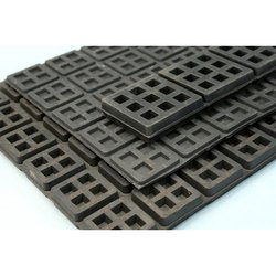 Square Rubber Mounts Pad, Packaging Type: Packet