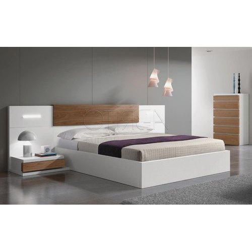 White Oak Wood Bedroom Furniture Set At, White Bedrrom Furniture
