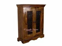 Dwarka Impex Solid Wood Resort And Hotels Wooden And Iron Jaali Work Wardrob, Size: 36