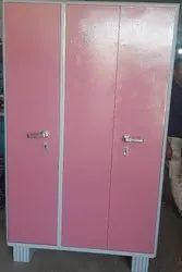 Painted Manual New 3 Door Steel Almira Metal Wardrobe, Model Number: AM3D1, Size/Dimension: 4X6.5X19