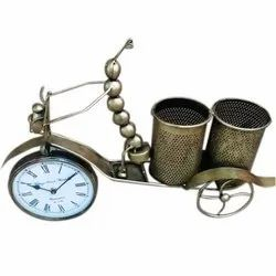 Art centre Analog Stylish Iron Table Clock Pen Stand, For Decoration