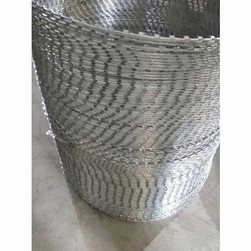 Concertina Wire, Size: 6 Mm