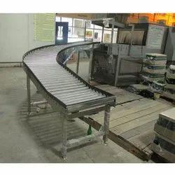90 Deg Bend Inclined Roller Conveyor