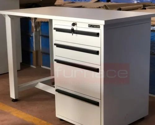 Crca Rectangular Industrial Mild Steel Work Tables