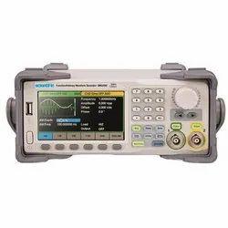 SMG2082 80 MHz Arbitrary Waveform Generator