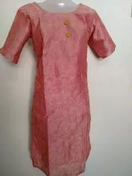Ladies Half Sleeves Round Neck Silk Cotton Kurti, Size: L, XL