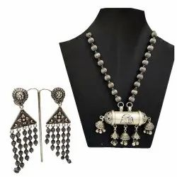 Elegant Vintage Style 925 Sterling Silver Oxodised Earring & Necklace