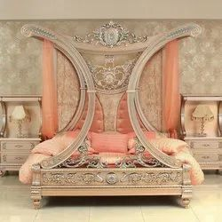 Royal Wooden Canopy Double Bed, Size: 183l X 183w Cm