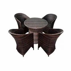 Universal Furniture Outdoor & Indoor Table with 4 Chairs