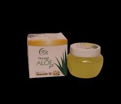 Herbal Aloe Vera Gel With Chamomile Oil