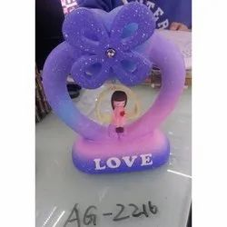 Plastic Love Heart Shaped Showpiece, For Gifting, Packaging Type: Box