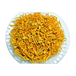 Chitra Spicy Potato Chivda Namkeen, Packaging Size: Available In 30 Gram, 1 Kg